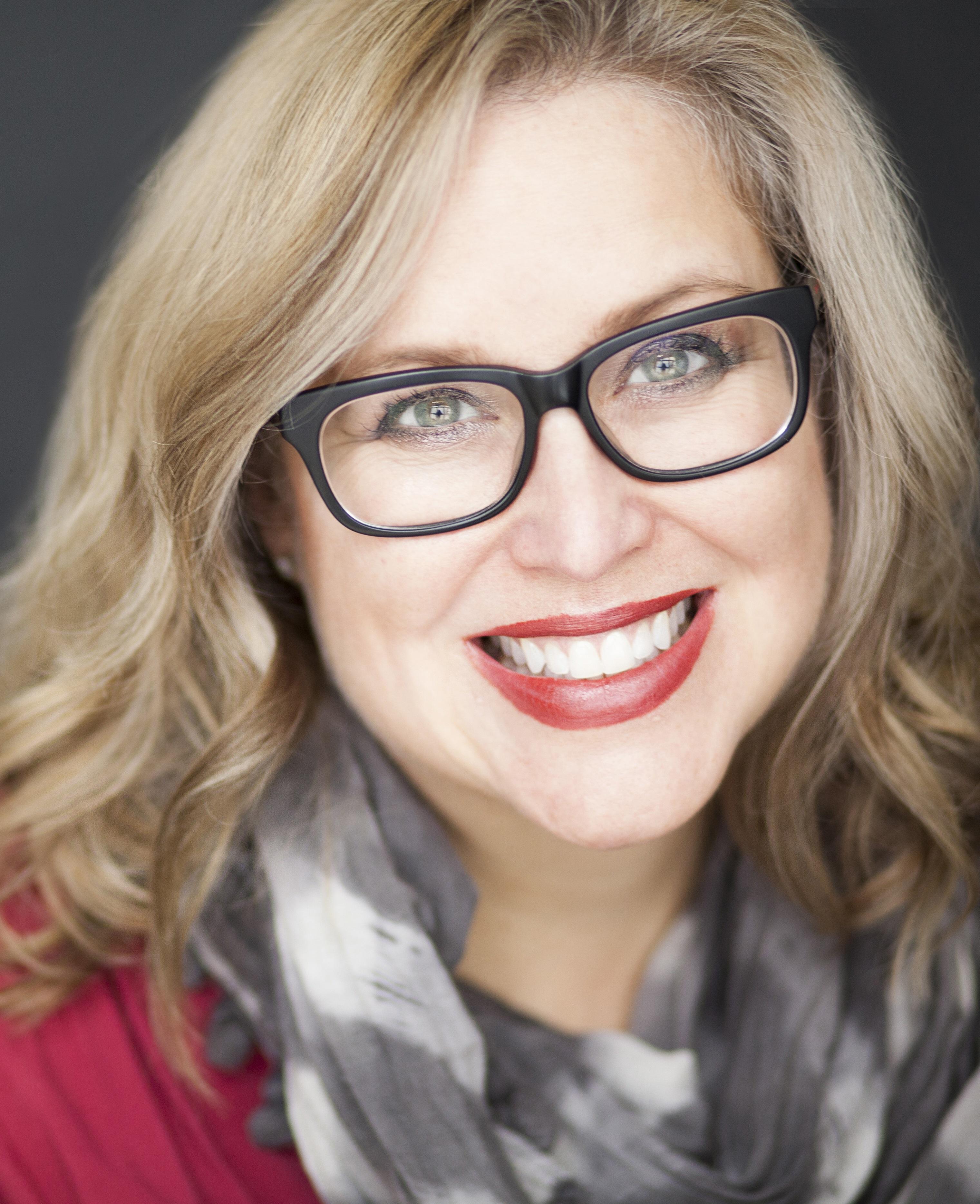 JT Ellison Author Photo credit Krista Lee Photography - vertical (1)